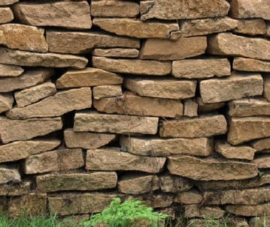photo d'un muret en pierres sèches