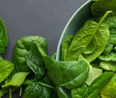 Salade d'épinards aux pépins de courge