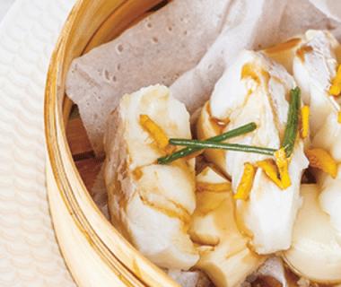 Filet de poisson sur lit de tofu à la vapeur