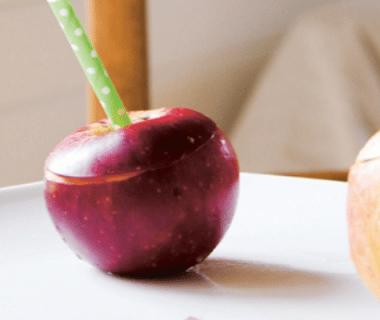 Tasses d'automne et nectar de pomme